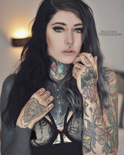 @mrs_lovelyink-Piercings-by-Wildcat-Pic-by-amazing-and-lovely-@billybilacou